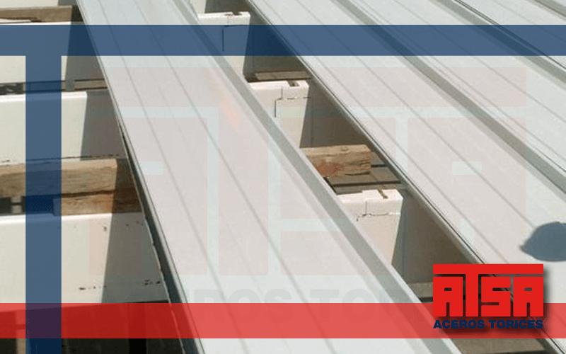 Lámina KR18 fabricada con acero pintro Ternium.
