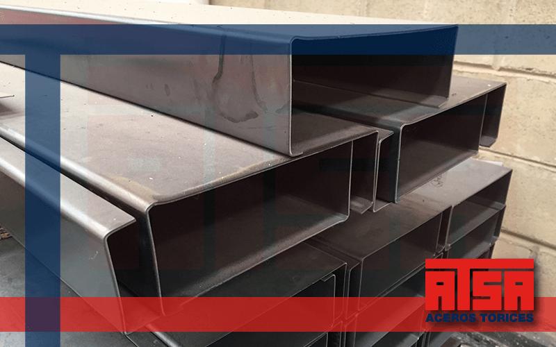 Monten de acero estructural, disponible en acabado galvanizado, pintado y negro.