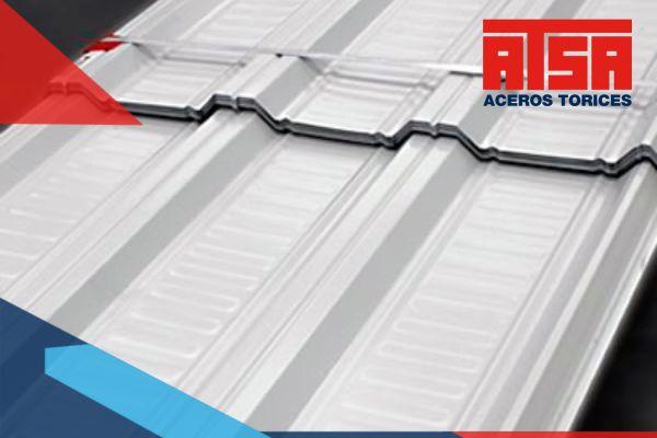 El acabado Duraplus es un tipo de recubrimiento que se coloca en la superficie de las láminas, para proteger al acero y que no sea dañado.